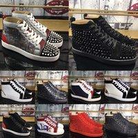 Red Bottoms Zapatos Spikes Tachuelas Sneakers Flat Zapatillas de deporte Hombres Transportunadores de gamuza de alto corte A Los amantes de la fiesta Sneaker de la boda Zapato de remache de cuero genuino