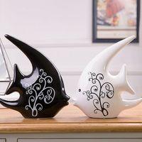 Die zwei Wohnzimmer Dekoration Wohneinrichtung BEI Schmuck Geschenk Keramik Schwarz-Weiß-Paar Kuss Fisch Nordische Art Keramik