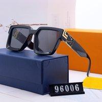 Yüksek Kaliteli Lüks Tasarımcı Erkek Kadın Güneş Gözlüğü Moda Güneş Gözlükleri UV400 Büyük Çerçeve Vintage Metal Menteşe Gözlük Kutuları ile