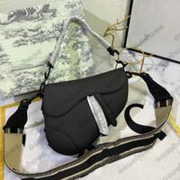 Luxurys Designers Bolsas Bordadas Bolsas Bordadas Bolsas Bolsas Bolsas Bolsas Bolsas Saddle Bolsa de Ferradura Bolsa de Ferradura Letras De Couro De Ombro Vintage Bolsa