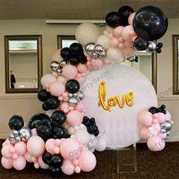 136pcs pastell rosa svart ballong garland guld kärlek bokstäver folie bollar krom silver ballonger bröllopsfödelsedagsfest dekoration