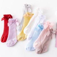 2021 Yaz Bebek Çocuk Delik Çorap Kızlar Dantel Hollow Tığ Diz Yüksekliği Çorap Çocuk Prenses Çorap Çocuk Şerit Yay Nefes Bacaklar