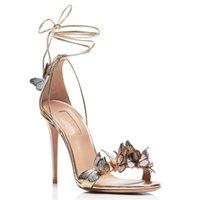 Fashion Femmes Sandale de la cheville Sandales Sandales Rouge Mariage Mariage Summer Papillon Décor Haute Talon Pumps Pompes Gold Sandalias 210910