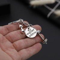 Keychains 보디 빌딩 키 체인 보석 바벨 아령 펜던트 열쇠 고리가 새겨진 디스크 매력 자동차 홀더