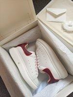 2021 Sneaker surdimensionné Designer de luxe Hommes Femmes Chaussures de haute qualité Calfskin dentelle Baskets en caoutchouc Soles en caoutchouc Augmenter les chaussures de sport avec boîte