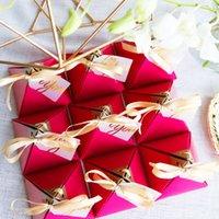 Gül Kırmızı Düğün Şeker Kutuları Üçgen Şekli Altın Damga Favor Sahipleri 10 Adet Avrupa Malzemeleri Sunarlar Hediye Çikolata