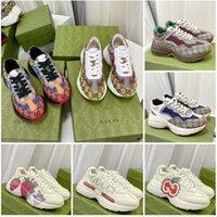 2021 Designers Sapatos Luxo Multicolor Rhyton Mulheres Homens Sneakers Treinadores Vintage Chaussures Senhoras Casuais Designer Sneaker Qualidade superior com Caixa Tamanho 35-46