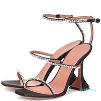 2021 Sandalia de verano Zapato extraño Tacón 3 Tallas de Rhinestone Spike-tacones Partido Mujeres Boda Moda Diseñador de moda Marcas