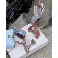 Üst Mükemmel Resmi Kalite Amina Muaddi Kadınlar 95mm Gilda Süslenmiş Glitter Katır Amina Muaddi Kristal Yüksek Topuk Seksi Ayakkabı Sandalet