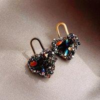 مسمار الأقراط على شكل قلب للنساء تصميم مجوهرات فاخرة مايكرو مطعمة الزركون جودة عالية S925 إبرة المرأة هدية