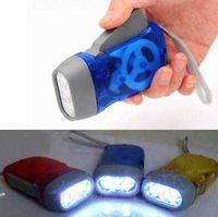 Creatief geknepen zaklamp LED super heldere energiebesparing en milieubescherming opladen handdruk automatische stroomopwekking