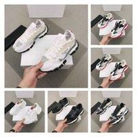 Lüks Tasarımcı Kadın Erkek Rahat Ayakkabılar İtalya Üçlü S Deri Tuval Platformu Eğitmenler Siyah Beyaz Düz Danteller Sneakers En Kaliteli Kutusu Boyutu 35-45