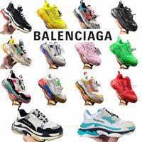 balenciaga Triple S Homens Mulheres Balencaiga Balençagem Designer Casual Pai Sapatos Vintage Plataforma Sneakers Black Paris 17fw Luxuries Tennis Liso Trainepzv7 #