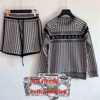 21ss Mujeres Suits Trajes Conjuntos Conjuntos Bordado Suéter Sets Lady Style Knied Suéter + Pantalones Casual Mix Color Dos piezas Conjuntos S-L