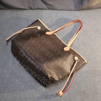 monogramleather حقائب الكتف