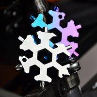 Snowflake Multi Tool 18 em 1 chave de floco de neve Multitool Garrafa abridores Multi Chaveiro Bike Fix Ferramenta de Bola de Neve Do Natal Presente 66 S2