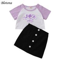 의류 세트 Blotona Kids Girls 패션 여름 2 피스 복장 세트 짧은 소매 천사 편지 인쇄 T 셔츠 탑스 + 스커트 3-8years