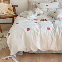 مجموعات الفراش مجموعة القطن الفراولة طباعة الأميرة نمط أربعة قطعة كشكش الرعوية لحاف الأمريكية اضافية كبيرة