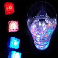 LED Işıklar Polychrome Flaş Parti Işıkları Led Parlayan Buz Küpleri Yanıp Sönen Yanıp Sönen Dekor Işık Up Bar Kulübü Düğün