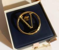 Nova Moda Ouro Charme Pins Broches para Mens e Mulheres Partido Casamento Amantes Presente Jóias Noivado com Box NRJ