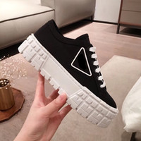 2021 Neue Damenschuhe Freizeit Mode Marke Leinwandschuhe Atmungsaktive Sommer dicke Sohle Kleine weiße Schuhe Schaffell Hohe vielseitige