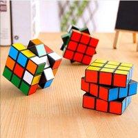 DHL Shipping 3x3x3 Magic Cube Portátil Cubo sin adición con llavero Puzzle Cubos de velocidad profesional Juguetes educativos para estudiantes