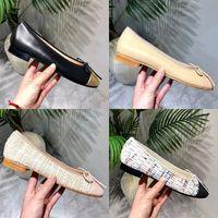 2021 zapatos de diseño 100% Hebilla de cuero Oficina Día de Pascua Adhesivo Ronda Halloween Chirstmas Deluxe Vestido para mujer Ballet Plano Piso Casual Solas suaves Bajo Tacón Ligero Impresión