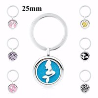 Keychains KME4 Lotus Flower Key Chain With 5 Pads Aroma Locket Essential Oil 25mm Perfume Diffuser 30mm Ring