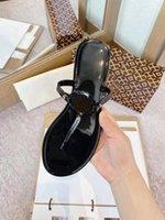 2021 النساء النعال كليب تو امرأة الصنادل عارضة الإناث الشقق الشرائح شاطئ القدم ارتداء الوجه يتخبط السيدات الأزياء الأحذية ميلر الحجم 36-40