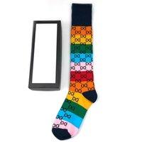 Diseño de lujo diseñador para hombre calcetines para mujer medias de lana calles de alta calidad calcetines de la pata de la rodilla cómoda con caja