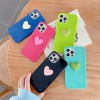 Casos del corazón del teléfono celular para iPhone 11 XR XS 12 Pro Max 13 Accesorios Protección de amor Caja de dulces ajustados