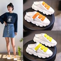 Scarpe della piattaforma di pelle di carinessg in vera pelle della piattaforma della piattaforma di cuoio della donna di spessore dei sandali piatti della donna 2020 Pantofole estive per le donne bianche esterne Diaposizioni 04Z3 #