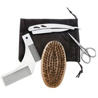 Forbici per capelli 4pcs Set di taglio della barba Set di baffi di rasoio in acciaio inox Pettinatore e pennello Kit da toelettatura (con sacchetto di stoffa)