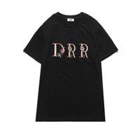2021 Lüks Rahat T-shirt Yeni erkek giyim tasarımcısı kısa kollu T-shirt 100% pamuk yüksek kaliteli toptan siyah ve beyaz