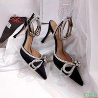 Sandalet 2021 Kadınlar Zarif Sivri Burun Yüksek Topuklu Gelinlik Ayakkabı Kadın Saten Kristal Ayak Bileği Kayışı Gladyatör