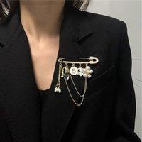 Pins, Broschen Amorinische Koreanische Mode-Design-Kette Quaste Brosche für Männer Frauen Perlen Blume Porträt Anhänger Dekoration Zubehör