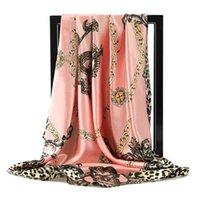 Luxusmarken Seidentücher Frauen Foulard 90 * 90 cm Quadratischer Kopf Hijab Schal Damen Chiffon Schal Bandanna Weibliche Wrap Schalldämpfer Pareo