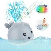 아기 목욕 장난감 스프레이 물 샤워 수영 풀 아이를위한 전기 고래 공을위한 전기 고래 공을 led 선물 210712