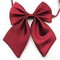 1 PC Moda Mujeres Cravat Red Butterfly Ladies Color Sólido Color Bow Tie MUCHACHA MUCHACHA ESTUDIANTE ESTUDIANTE SERVIDOR DE LA MADERA DE LA MADERA DE LA SERVIDOR