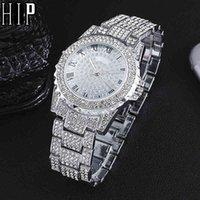 Designer Luxury Brand Watches Hip Hop Mens Iced Out Es Fecha de la muñeca de cuarzo con micropave CZ Aleación para las mujeres Hombres Joyería