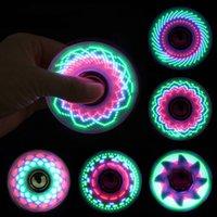 Brinquedos de dedo que seis cores criativas levou luz luminosa fidget spinner um giroscópio que pode mudar a cor da iluminação