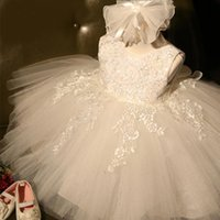 white Lovely Flower Girls Dresses For Weddings Princess Jewel Long Sleeves Lace Appliques Big Bow Sweep Train Little Kids Holy Pageant Dress