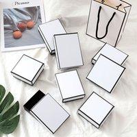 Multi-tamanhos Branco e Presente Preto Caixas de Embalagem Sacos de Papel de Compras Embalagem de Jóias para Brinco Anel Bracket Pingente Colar