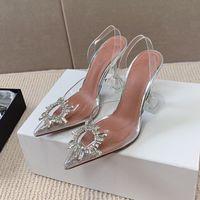 2021 Diseñador de moda Sandalias de mujer SHINKING GUROWER CRYSTAL Genuine Cowhide Sole Perfectamente restaurar el lujo y la belleza 9.5cm Party Slip en zapatos para mujer