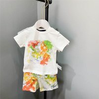 Sulu Boya Mektubu Çocuklar T Shirt Şort Giyim Setleri Bebek Kız Erkek Rahat Eşofman Yaz Açık Çocuk Spor Takım Elbise