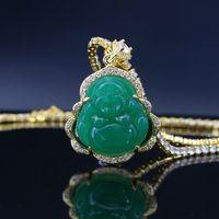18 Karat vergoldetes Finish Green Jade Lab Simulierte Diamanten lachend Buddha Euro aus Anhänger Halskette CZ Schmuck 105 U2
