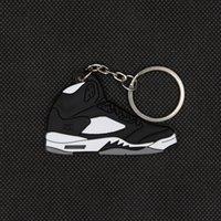 Mini zapatos zapatilla de deporte llavero de goma silicona llavero llavero mochilas con cremallera decoración bolsa colgante charm unisex mejores regalos