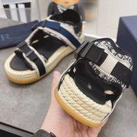Sandalias para hombre Zapatos planos Diseñadores de lujo Crear damas de alta calidad Playa de verano Casual Sandali Hebilla Hebilla Suela gruesa 21SS Estilo de moda