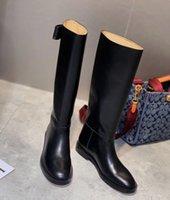 2021 Diseñador de moda Botas de tobillo Diseño de lujo para mujer Bota Top Calidad Piel de Piel de Cuero Rodillera Paseo Tacón alto Tacones 35-40