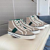التنس 1977 ارتفاع أعلى حذاء إيطاليا الأخضر الأحمر الشريط 77 التطريز snekaer المطاط وحيد المصممين المصممين أحذية رياضية النساء الرجال قماش سكيت الأحذية